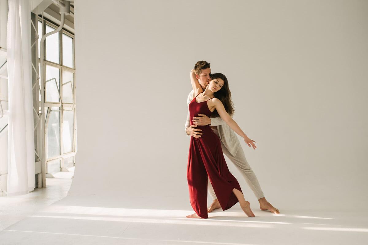 Sesja taneczna dwójki zakochanych